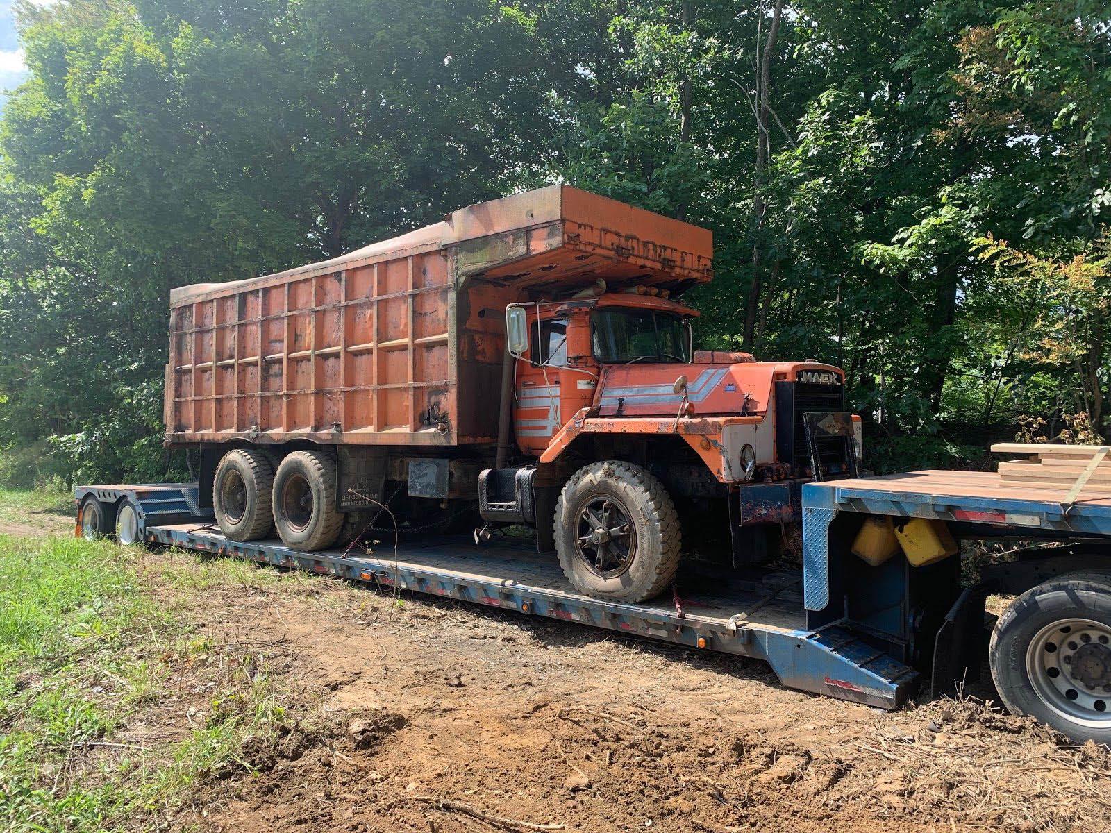 MACK RD690S Dump Truck