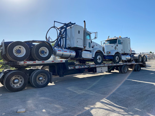 2 Peterbilt 365 Day Cabs